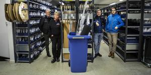 Personalen på lagret som jobbar med inköp och logistik för samtliga 15 helikopterbaser i Sverige och Finland. Thure Waplan, driftschef Elisabeth Sjögren, Anders Waplan och Johan Skiöld.