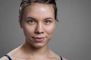 Den 6 februari, den samiska nationaldagen, medverkar Marika Renhuvud i vännen Liv Airas föreställning i Jokkmokk. Foto: Pawel Iwanow