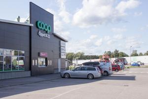 Coop Fjällbacken i Gävle möblerar nu om i butiken för att bättre klara konkurrensen med Ica Kvantum.