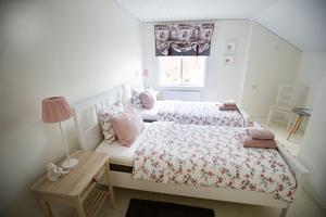 Varje sovrum är inrett med olika färger.