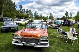 Tusentalt svenskar åker varje sommar på bilträffar, cruisingar och andra motorevenemang.