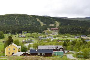 Skolan i Ljungdalen får vara kvar trots det låga antalet elever. Det beskedet kommer efter en dialog mellan Bergs kommun och vårdnadshavarna till skolans elever.