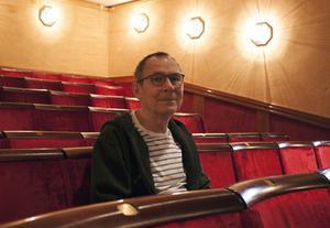 Nu tar Anders Larsson farväl av teatersalongen.