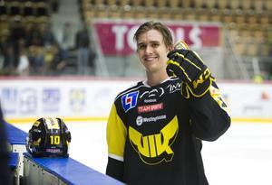 Mikael Backlund i VIK-tröjan under NHL-lockouten 2012/2013. FOTO: Arkiv