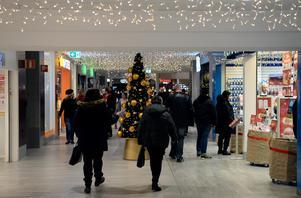 Hälften av butikernas skyddsombud anser att julmusiken är mer påfrestande än musik under resten av året.