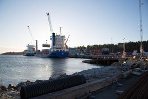 """""""Jag har inte för avsikt att gå in på detaljer. Det jag kan säga är att idag har vi en ohållbar situation i hamnen"""" säger Transports klubbordförande i Södertälje hamn, Patric Hörstam."""
