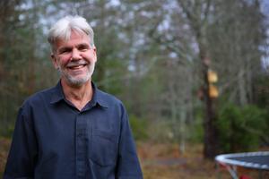 Jag gillar det komplexa, min hjärna älskar svårigheter, säger Jörgen Stigberg om att skriva om stress.