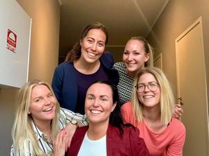En del av gänget på WLC Consulting: Therese Bondesson, Eliana Falkengren, Ida Wahlgren, Maria Lyly Corlin och Melina Davideit.
