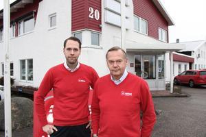 Martin Hagman tillsammans med sin pappa Jan som startade Riflex i Rimbo. Tack vare storaffären i början av året är fastighetsbolaget kvar både på orten och i familjen.