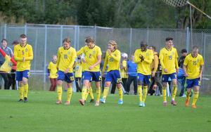 P17-landslaget i fotboll firar efter 3-0 målet mot Norge. Matchen slutade 3–1.