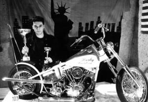 1986 vann Björn Eriksson, Sundsvall mässans MC-pris med sin Harley Davidson från 1956.
