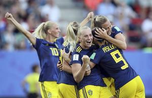 Sverige är klart för VM-semifinal och OS! Mittmedias Sören Häggkvist skriver att Sverige stod för en nästan perfekt match. Tyskland kom nästan ingenstans.                                                     Bild: TT