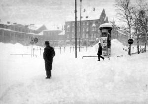 Stortorget en snöig februaridag 1960.