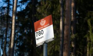 Hållplatsen Kämsta vägskäl.