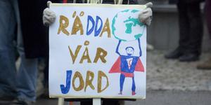 På fredag, den 30 november, genomförs klimatmanifestationer i 88 kommuner runt om i landet, bland annat i Mora, Orsa och Falun.