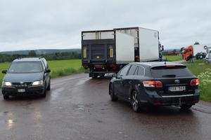 Det är inte var dag det blir trafikstockning i Stationssamhället i Gagnef, men under torsdagsförmiddagen hände det.