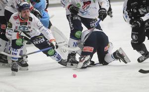 Periodvis, särskilt i första halvlek, var det hårt tryck på Joel Wigren och Bollnäs.