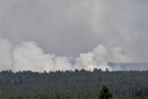 De italienska vattenbombflygplanen tog sig an branden på Älvdalens skjutfält.