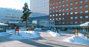 En 97-årig person i Ludvika hittades med benet fastklämt och fördes till Falu lasarett för undersökning. Nu har Ludvika kommun gjort en lex Maria-anmälan om händelsen.