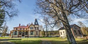 Engelska villan i Bodsjöedet är till salu för 11,9 miljoner kronor.