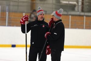 Örebros nye assisterande tränare Christer Olsson och huvudtränaren Niklas Eriksson.