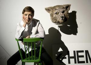 För regin står Carolina Frände, konstnärlig ledare och regissör för Stockholms stadsteaters barnteaterscen i Skärholmen.