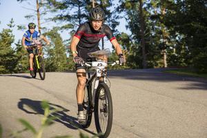 Full fart från början till slut är vad som gäller i mountainbike-orientering.