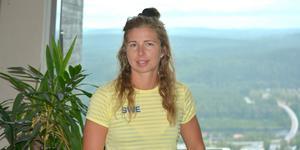 Evelina Settlin på plats på landslagets försäsongsläger i hemstaden Sollefteå.