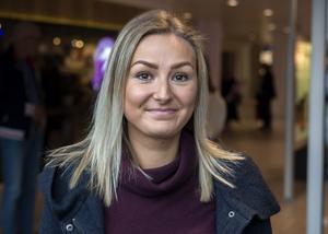 Moa Sandström, 25, biografanställd, Härnösand