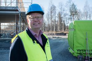 Även om man i Smedjebacken inte kan minnas några större problem på de kommunalt upphandlade byggarbetsplatserna så menar Fredrik Rönning att det är viktigt att kommunen tar initiativ och bidrar till att den så kallade svenska modellen upprätthålls.