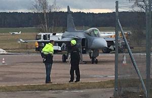 Nyligen landade ett Gripen-plan på Västerås flygplats. Men det hade lika gärna kunna landa på Johannisberg, hävdar insändarskribenten. Foto: Ingegerd Backlund/arkiv