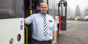 Mats Udenius från Söderala är en av Sveriges 16 bästa busschaufförer.