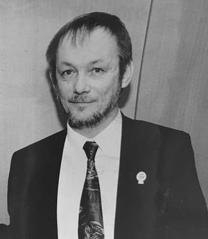 Karl Eugen Klang var Esbjörn Larssons morbror. Bilden är från när Esbjörn tar över ordförandeskapet i VSK Fotboll 1991. Foto: Per G Norén/VLT:s arkiv