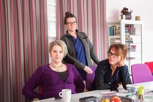 Hur regionen avvecklar hälsocentralen i Bergsjö är upprörande tycker Malin Lindgren, Maria Gunsth och Lotta Pettersson som jobbar där.