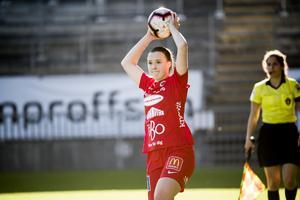 Maja Regnås spelar under onsdagskvällen med sitt Kif Örebro hemma mot Göteborg.