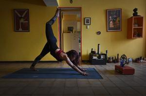 Yoga, är mer än bara en träningsform och har självklara kopplingar till hinduismen, påtalar insändarskribenten. Bilden är en illustration.