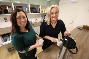 Marie Casco och Maria Comstedt som båda jobbar på avdelningen för näringsliv, integration och arbetsmarknad (NIA).