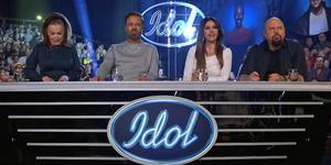 Förra veckan stod hela juryn upp efter Gottfrid och Carolas framträdande. Under kvällens final var det hårdare tag. Skärmklipp: TV4