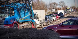 De många hugade kunderna till nyöppnade Jem & Fix korkade igen rondellen vid Norra station i Fagersta.