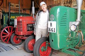 Arne Andersson, Klämmesbo, har gått bort. Han satte stor prägel på sin bygd och var bland annat en stor samlare på veterantraktorer och andra fordon.