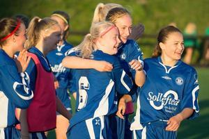 Får tjejerna och killarna jubla i helgen när gruppspelet i Cup Kommunal respektive distriktspojkturneringen avgörs i Sundsvall.
