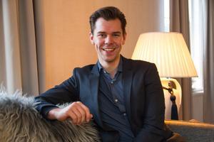 I tävlingen årets servitör fick vinnaren tidigare representera Sverige i Nordic waiter competition. Det ändrades då årets servitör inte finns längre, och representanten handplockas. För 2020 ringde Henrik Estanders telefon, och han fick en förfrågan.
