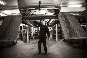 En hantverkare och yrkesman och hans värld. – Jag är en gammaldags skruvare jag, säger Ernst.