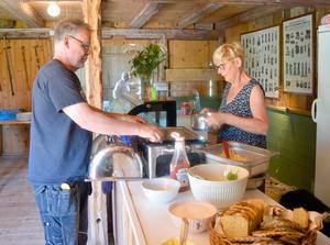 Första gången Annika träffade Stefan Newstam och Ulla Hellkvist sa hon – till sin egen förvåning: