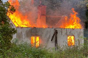 Det gamla ödehuset vid Salaborg brann ner till grunden vid den anlagda branden.