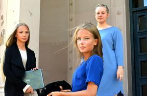 Svikna. Det känner sig Tess Larsson, Alva Göransson och Emma Wiklund som alla har haft stora motgångar i gymnasiet men som blev hjälpta genom SIS-projektet.