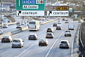 På flera vägar väntas hastigheten sänkas under påsken.
