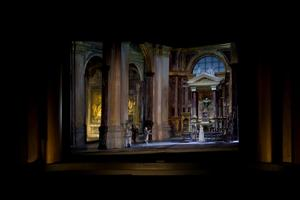 En dekormodell från Tosca på Metropolitan i New York. Foto: Metropolitan Opera.