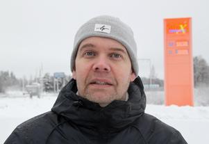 Ulrik Andersson, regionansvarig vid din-X, hoppas att läget intill E16 och restaurangen vid Fänforsen ska medföra att tankningsvolymerna vid nya stationen blir tillräckligt stora.