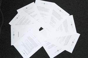 Kontraktet och policyn omfattar nio sidor totalt.